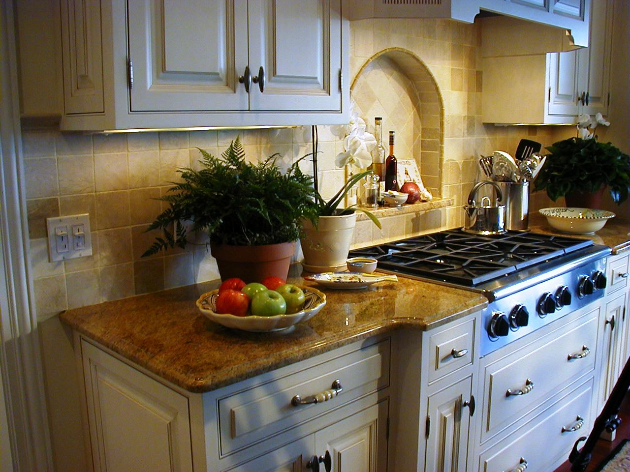 Custom Kitchen Cabinets What Are They And Can I Afford Them
