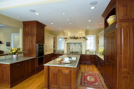 Traditional kitchen custom island General Woodcraft