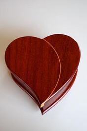 Paduak jewelry box with maple inlay