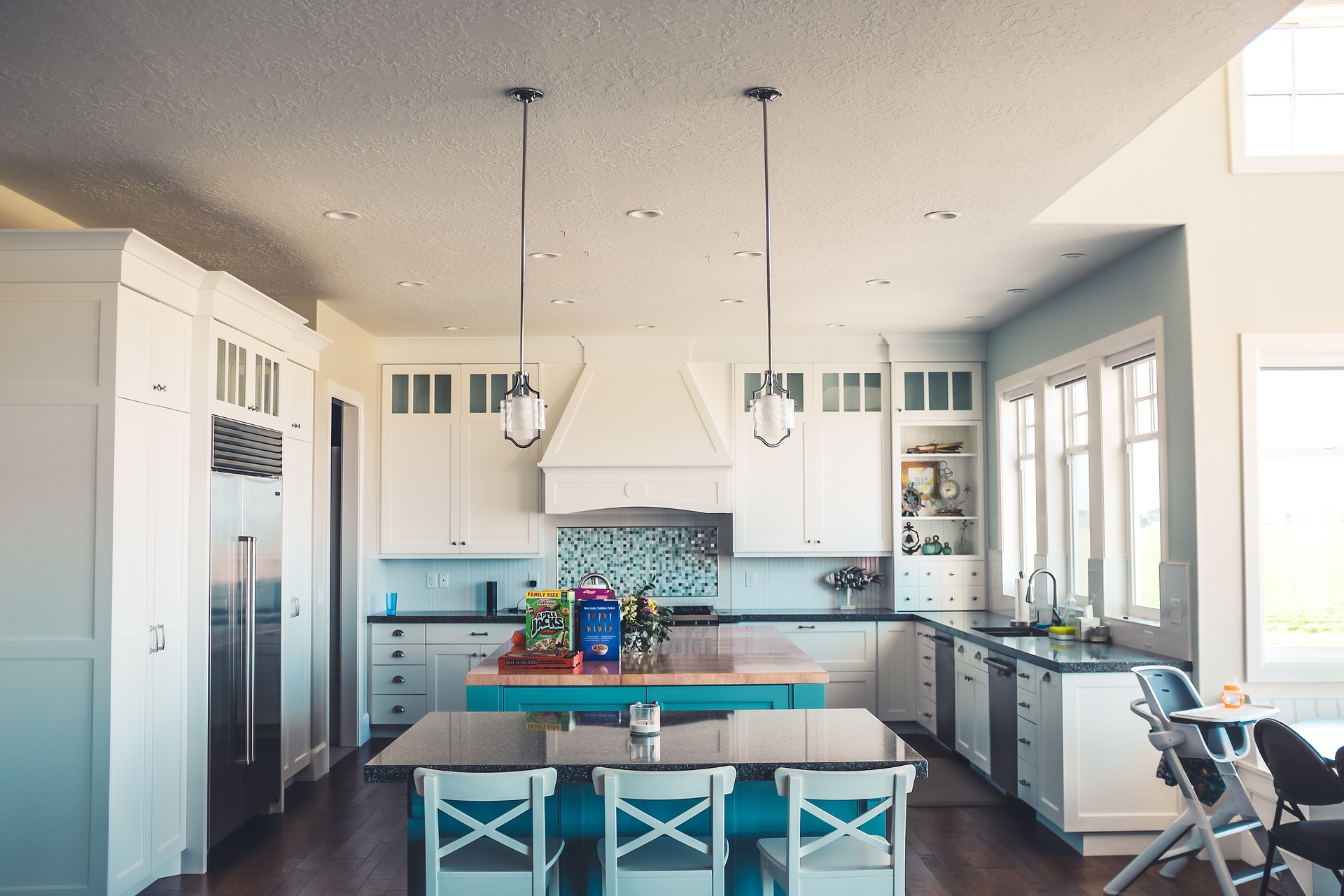 traditional kitchen turquoise