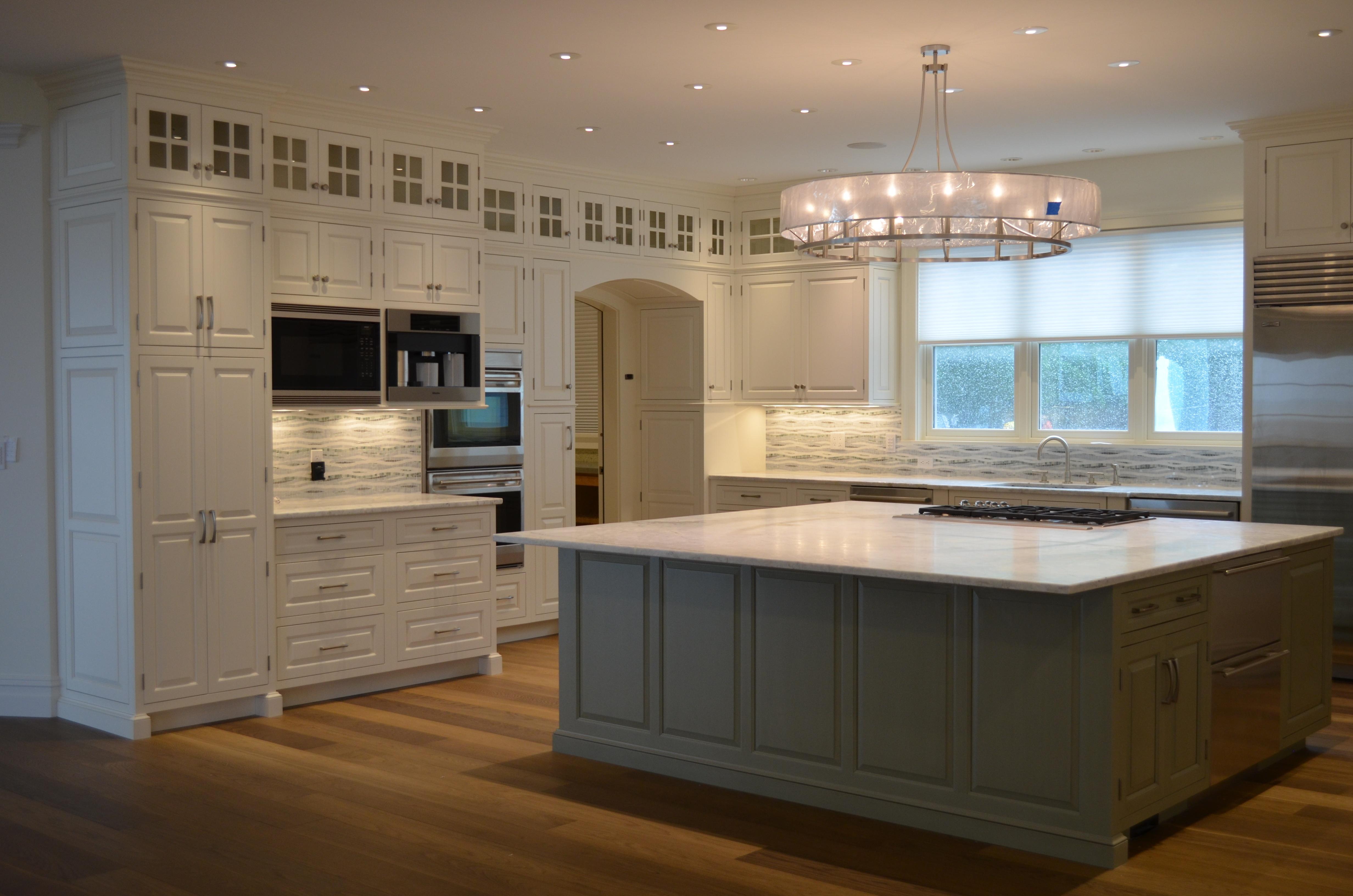 transitional general woodcraft kitchen