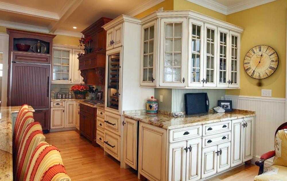 traditional_new_england_kitchenjpg - Custom Kitchen Design